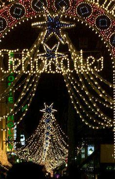 Calle en Navidad,  Madrid  Spain