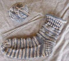 *Natalina* Socken ein Muster, auch für Anfänger geeignet Gr 39/40 *Hilde Wolle* handgefärbt, Zusammensetzung 60% Wolle / 20 ...