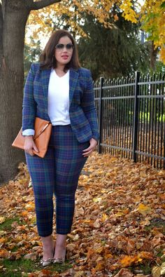 Inside Allie's World: Day Three: The Plaid Suit Curvy Girl Outfits, Curvy Girl Fashion, Plus Size Outfits, Plus Zise, Suits For Women, Clothes For Women, Jessica Parker, Look Plus Size, Modelos Plus Size