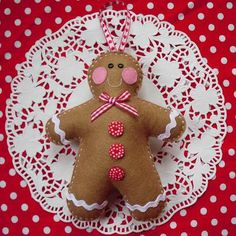 Cute...cute gingerbread man! Made by Kate ღ ....{make some felt gingerbread peoples for my kitchen tree}