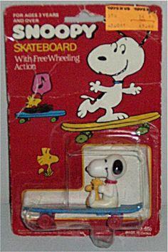 Snoopy skateboard toy