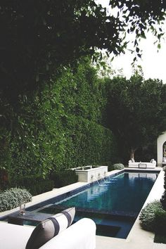 lines crisp white loungers emerald green hedges and a deep blue pool = Pool swoon. lines crisp white loungers emerald green hedges and a deep blue pool = Pool swoon.lines crisp white loungers emerald green hedges and a deep blue pool = Pool swoon. Outdoor Pool, Outdoor Spaces, Outdoor Gardens, Outdoor Living, Outdoor Gear, Blue Pool, Modern Pools, Swimming Pool Designs, Swimming Pools