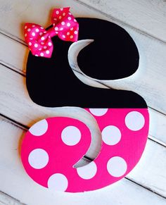 Decorative Minnie Letter or bow holder Diy Letters, Letter A Crafts, Wood Letters, Minnie Mouse Party, Mouse Parties, Diy And Crafts, Arts And Crafts, 3d Laser, Disney Crafts
