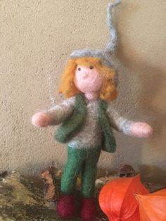 Junger Zwerg von Hand gefilzt Filz Figur Mobile Bio Merino Wolle von HomefeltArt auf Etsy