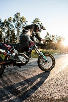 ©Jonathan Birkemyr  SUPERRETARDS KTM SMC 690
