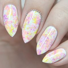 Easy peasy spring-y mani! I'm a little sad you can't really see the pink in this picture as much as you can in person but whatever. I used saran wrap to get this design!