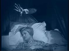 """The Cat' stalks Laura La Plante in """"The Cat and the Canary"""" from 1927 Gifs, Sleep Paralysis, Portrait Wall, Dreams And Nightmares, Horror House, Astral Projection, Cult Movies, Silent Film, Classic Films"""