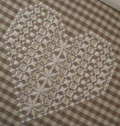 un cuore a broderie suisse by lavori di Silvia, via Flickr