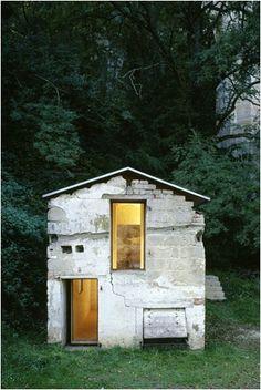 """gentlehour:  """"A little white house.  naumann.arkitektur. Via WO AND WÉ.  """""""