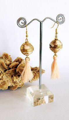 gioielli di carta con perle realizzate con tecnica quilling