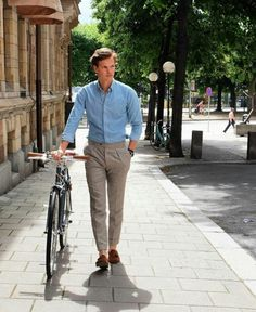 The best street style inspiration & more details that make the difference - The best street style inspiration & more details that make the difference - Mens Fashion Blog, Best Mens Fashion, Fashion Outfits, Style Fashion, Preppy Mens Fashion, Fashion Styles, Fashion News, Stylish Men, Men Casual