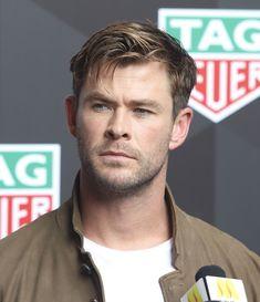 Hot Actors, Actors & Actresses, Chris Hemsworth Thor, The Mighty Thor, Australian Actors, Ben Affleck, People Magazine, Celebrity Dads, Hugh Jackman