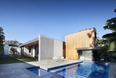 swimming pool with granite cobble paver - Google Search Architecture Résidentielle, Victorian Architecture, Contemporary Architecture, Japanese Architecture, Sustainable Architecture, Green Design, Single Storey Extension, 1960s House, Australian Interior Design