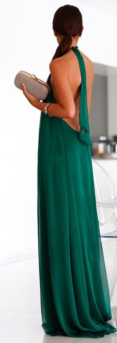 Emerald maxi dress I wish I could WEAR!!! (can we be honest? If u aren't comfortable without a bra, Forget About It !!!) But, I can still look & Love.