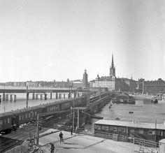 Sista tåget på gamla järnvägsbron mellan Södermalm och Gamla Stan | Spårvägsmuseet