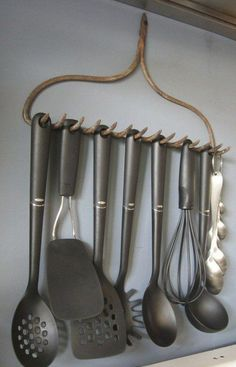 kitchen recycled rake Old rake recycled into kitchen accessories holder... HMMMMM this would be kinda cute if with a second set of stuff just for decorations and a sign that says bring it on