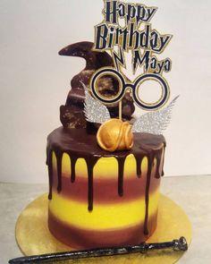 Ideas for birthday cake girl harry potter Bolo Harry Potter, Harry Potter Fiesta, Gateau Harry Potter, Harry Potter Birthday Cake, Harry Potter Food, Naked Cake, Birthday Cake Girls, Happy Birthday, Drip Cakes