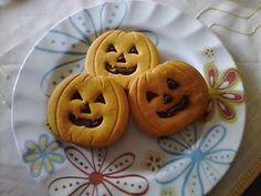 Biscotti di Halloween a forma di zucca Halloween Desserts, Fete Halloween, Halloween Cakes, Halloween 2020, Halloween Pumpkins, Halloween Biscuits, Cake Decorating Techniques, Biscuit Recipe, Nutella