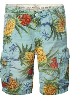 This Scotch Shrunk Cargo Shorts is the perfect summer item! www.eb-vloed.nl