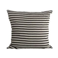 The%20striped%20cushion%20cover%20is%20one%20of%20House%20Doctor%C2%B4s%20classics.%20It%C2%B4s%20made%20in%20100%%20linen%20with%20a%20nice%20structure%20and%20has%20a%20lovely%20striped%20pattern.%20It%20becomes%20a%20nice%20detail%20in%20the%20sofa,%20bed%20or%20armchair%20and%20is%20easy%20to%20match%20with%20other%20cushions.%20And%20the%20best%20of%20all:%20stripes%20will%20never%20go%20out%20of%20time!