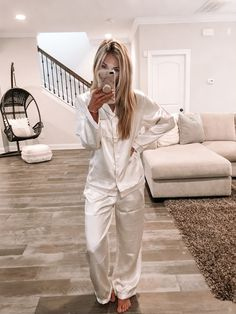 Silk pajamas are a very popular sleeping wear item. This is hardly surprising, as silk is one of the smoothest fabrics available and does not wrinkle. Satin Pyjama Set, Satin Pajamas, Pyjamas, Pajama Set, Pajama Party Outfit, Pajama Outfits, Night Party Outfit, Pyjama Party, Pajamas For Teens