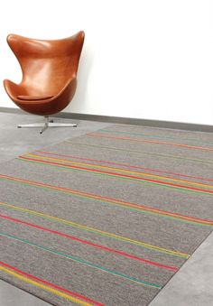 76% wool, 24% polyester<br /> Mechanically woven<br /> Residential use