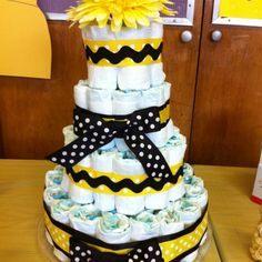 Gender-neutral Bee baby shower diaper cake