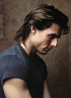 Tom Cruise by Annie Leibovitz for Vanity Fair, June Tom Cruise Hair, Barba Grande, Katie Holmes, Hollywood Actor, Hollywood Stars, Nicole Kidman, Haircuts For Men, Gorgeous Men, Movie Stars