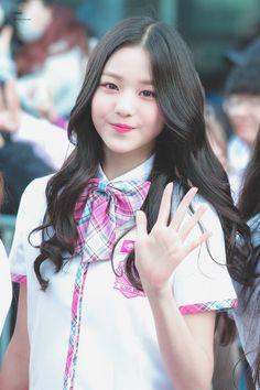 (Credits to the real owner/s) Ulzzang Korean Girl, Cute Korean Girl, Asian Girl, Uzzlang Girl, Girl Day, Wubba Lubba, Cute Kawaii Girl, Japanese Girl Group, My Hairstyle