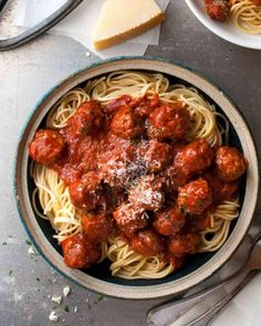 These Italian Meatballs are the best you will ever make….with 2 little changes… These Italian Meatballs are the best you will ever make….with 2 little changes to the usual recipe, these are extra soft with a special flavour boost! Baked Italian Meatballs, Best Meatballs, Spaghetti With Meatballs Recipe, Olive Garden Meatballs Recipe, Jelly Meatballs, Parmesan Meatballs, Meatball Recipes, Beef Recipes, Cooking Recipes