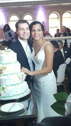 Joey & Krystal cutting cake