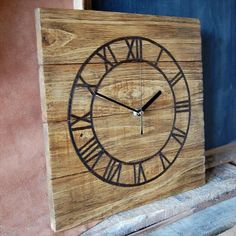 5 DIY Clocks Made From Pallets | 101 Pallets by meghan