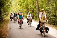 Intro to Road Touring - Virginia II   Guided Tours   Adventure Cycling Association - now this would be a good learning experience so I can do it on my own