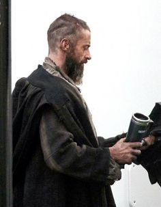 Huge Jackman as Valjean. Did you guys see the details in his hair? thats amazing work but gonna be death to grow out evenly.