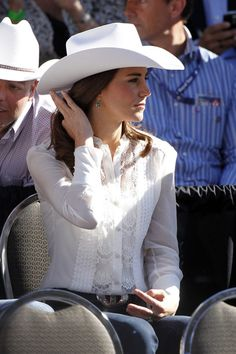Kate Middleton Photos - The Duke and Duchess of Cambridge Attend the Calgary Stampede Parade 2 - Zimbio Duchess Kate, Duke And Duchess, Duchess Of Cambridge, Kate Middleton Photos, Pippa Middleton, Prince William And Kate, William Kate, Calgary Stampede Parade, Catherine The Great