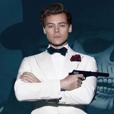 Harry as James Bond! OMFG I can even imagine this Bye