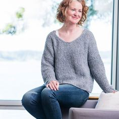 Relaxed, oversized, yet supremely lightweight, the Slouchy Pullover from Churchmouse is the perfect weekend sweater. The flattering, soft 'V' neckline. How To Purl Knit, Warm Grey, Baby Alpaca, Stockinette, Polar Fleece, Green And Gold, Pullover, Neckline, Casual