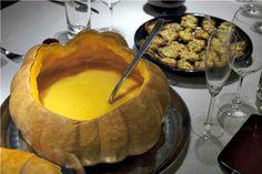 χειμωνιάτικες σούπες: το top15 που ζεσταίνει | Pandespani Pumpkin Soup, Fondue, Pudding, Cheese, Ethnic Recipes, Desserts, Butternut Squash Soup, Tailgate Desserts, Squash Soup