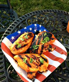 Sweet and spicy Maple Honey Sriracha Grilled Chicken, great for summer cookouts! I was inspired to make this sriracha grilled chicken this summer after Whole Turkey Recipes, Great Chicken Recipes, Honey Sriracha Chicken, Marinated Grilled Chicken, Crazy Kitchen, Grilling Recipes, Grilling Ideas, Cooking Recipes, Healthy Recipes