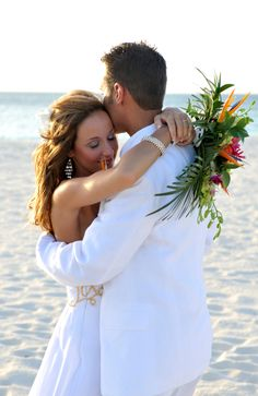 Lovely couple having their beach wedding on Manchebo Beach!