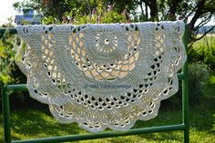 My Giant Crocheted Doily Rug Pattern In Finnish, Matto - Ohje Suomeksi! Crochet Doily Rug, Crochet Carpet, Crochet Motifs, Granny Square Crochet Pattern, Crochet Home, Crochet Crafts, Crochet Projects, Knit Crochet, Square Patterns