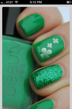 St.Patric's day nails