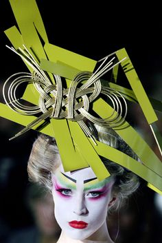 Christian Dior Spring 2007 Haute Couture / Hat by Stephen Jones