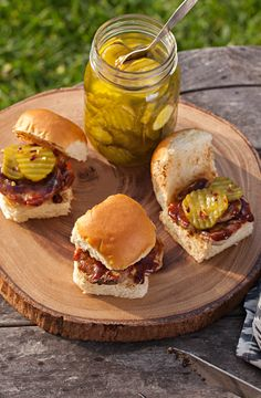 Pork Tenderloin Sliders ~ Who knew you could pack so many flavors into a little Hawaiian Roll? I Love Food, Good Food, Yummy Food, Pork Recipes, Cooking Recipes, Healthy Recipes, Great Recipes, Dinner Recipes, Favorite Recipes