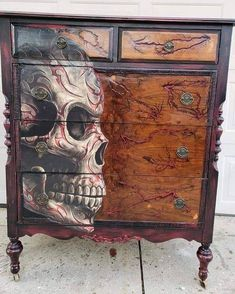 With a high voltage transformer 1800 volts is sent into wood planks. Skull Furniture, Steampunk Furniture, Paint Furniture, Cool Furniture, Decoupage Furniture, Wood Home Decor, Home Decor Wall Art, Home Decor Items, Repurposed Furniture