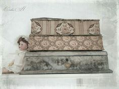 Fabric Covered Boxes, Fabric Boxes, French Fabric, Old Boxes, Textiles, Altered Boxes, Beautiful Space, French Vintage, Pale Pink