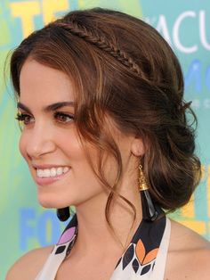Pre make a fishtail braid from a hair extension and pin it in from ear to ear to make it look like a headband. Loose Updo, Soft Updo, Wavy Updo, Messy Updo, Loose Curls, Braided Updo, Messy Hair, Braid Hairstyles, Cute Hairstyles