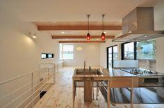 LDK : Minimalist living room by 若山建築設計事務所