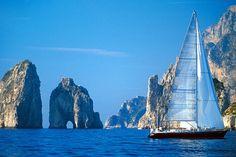 La Dolce Vita à Capri Ischia et Procida : où dormir ? Naples, Vacation List, Vacation Ideas, Italy Vacation, Dream Vacations, Capri Island, Leading Hotels, Palace Hotel, Amalfi Coast