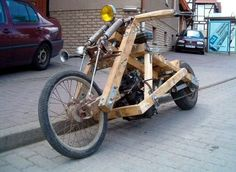 The wooden Motocycle. More Woodworking Projects on www.woodworkerz.com